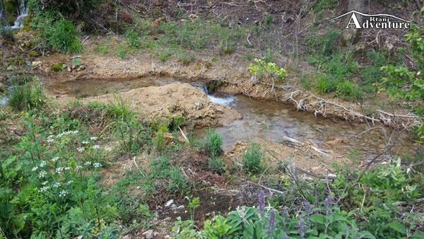 Manstir Lozica potok od izvora Buk