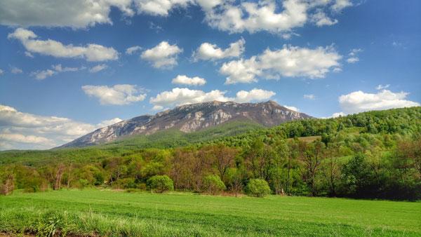pogled na planinu Rtanj iz Lukavice